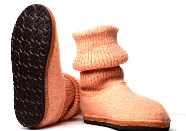 ハフリンガーを通販で扱うhumming birdではブーツをはじめ夏用スリッパも購入可能